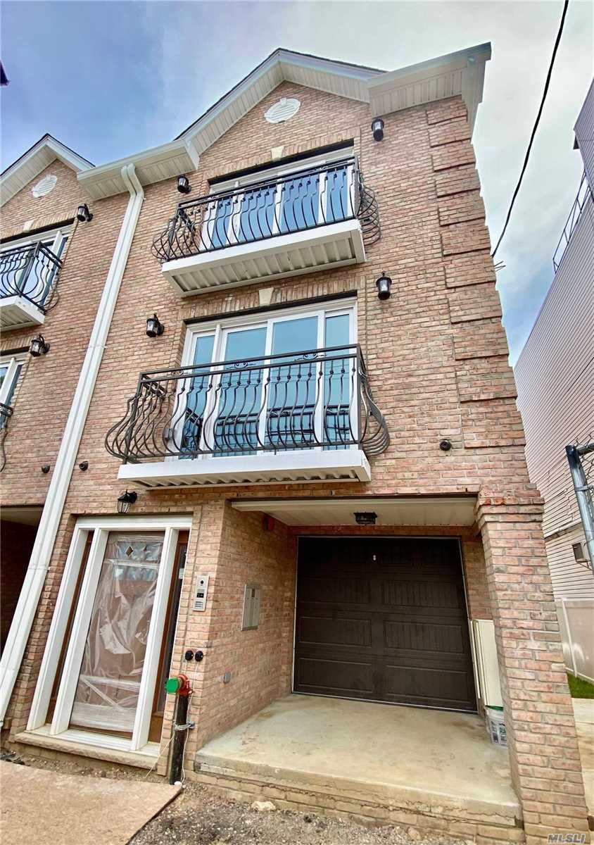 67-43 73rd Place, Middle Village, NY 11379 - MLS#: 3216181