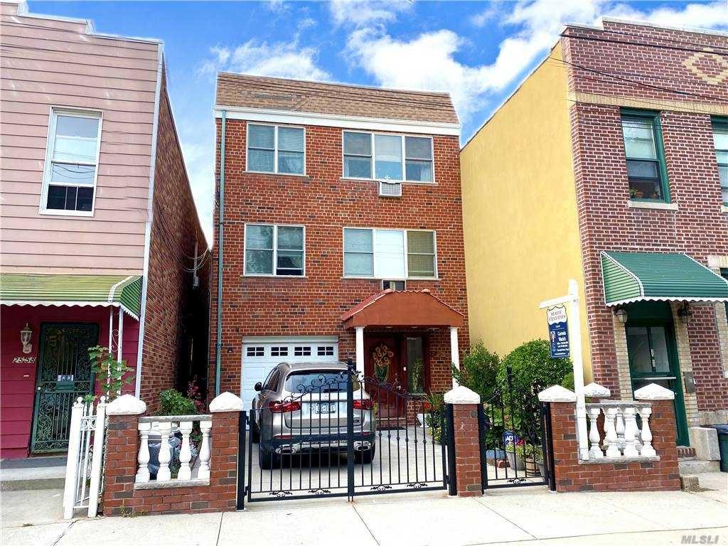 25-56 45th St St, Long Island City, NY 11103 - MLS#: 3232182