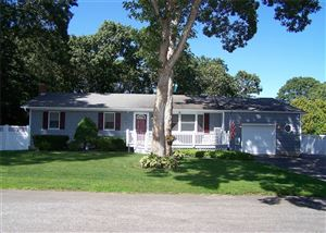 Photo of 7 Maple Ln, Manorville, NY 11949 (MLS # 3131183)