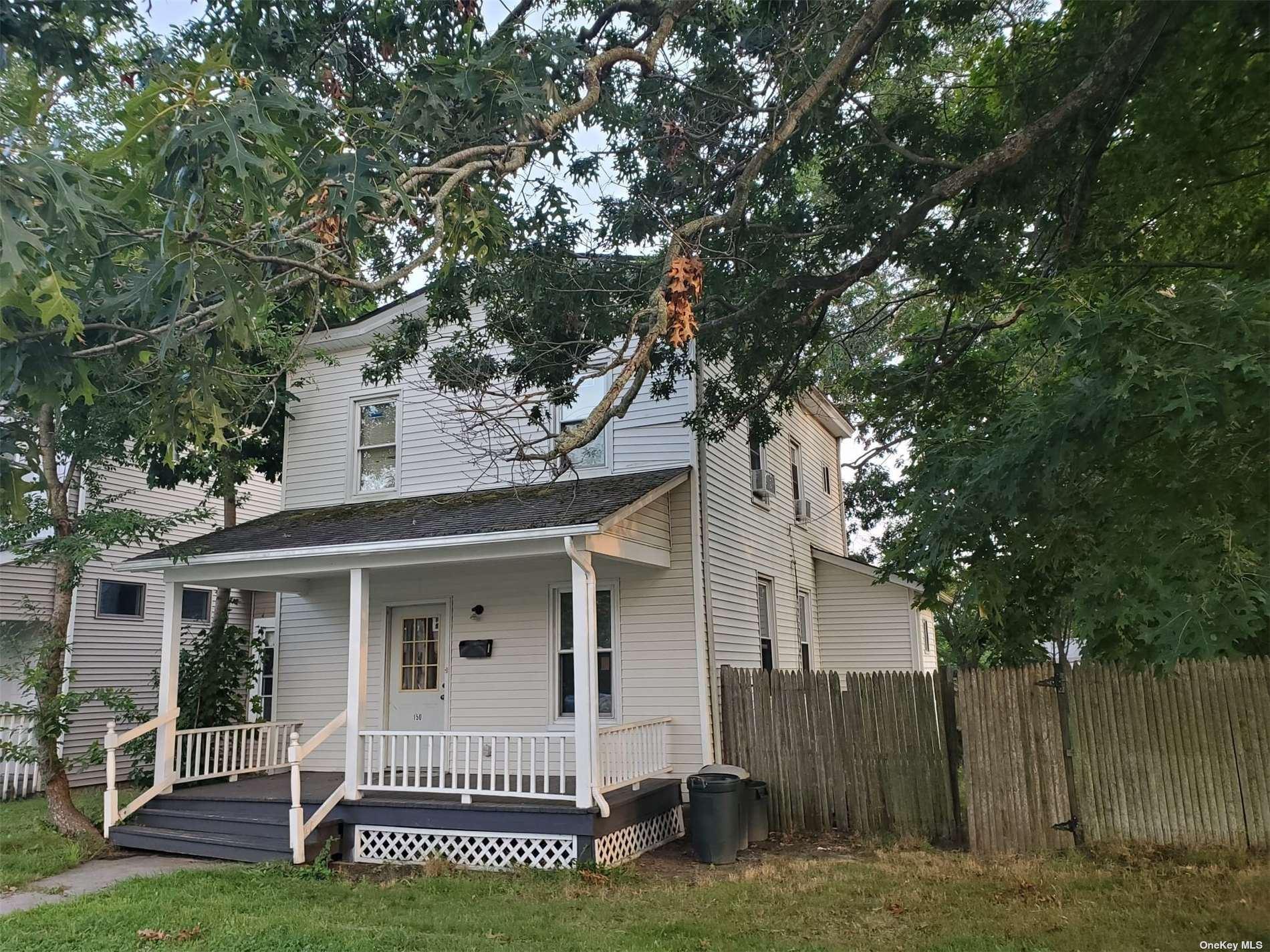 150 Oak Street, Patchogue, NY 11772 - #: 3351185