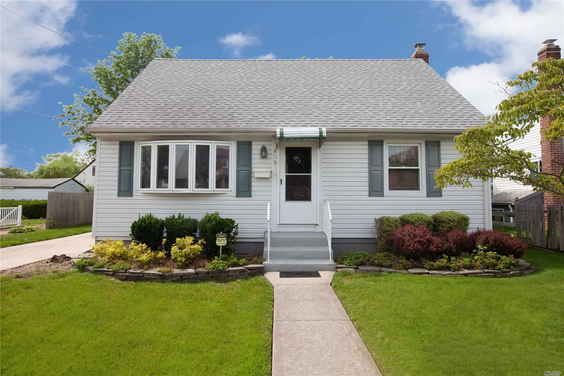 2061 Lincoln Avenue, East Meadow, NY 11554 - MLS#: 3219186