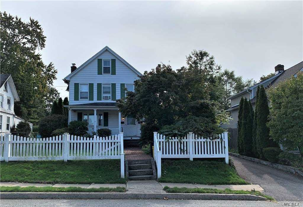 Photo of 85 Orchard St, Oyster Bay, NY 11771 (MLS # 3236188)