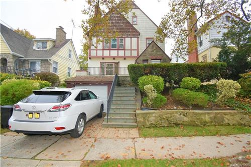 Photo of 180 Hillcrest Road, Mount Vernon, NY 10552 (MLS # H6079189)