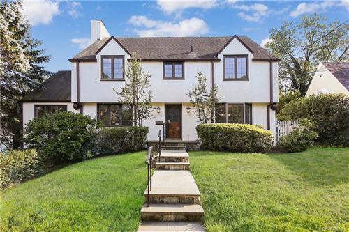 Photo of 14 Robin Hill Road, Scarsdale, NY 10583 (MLS # H6059191)