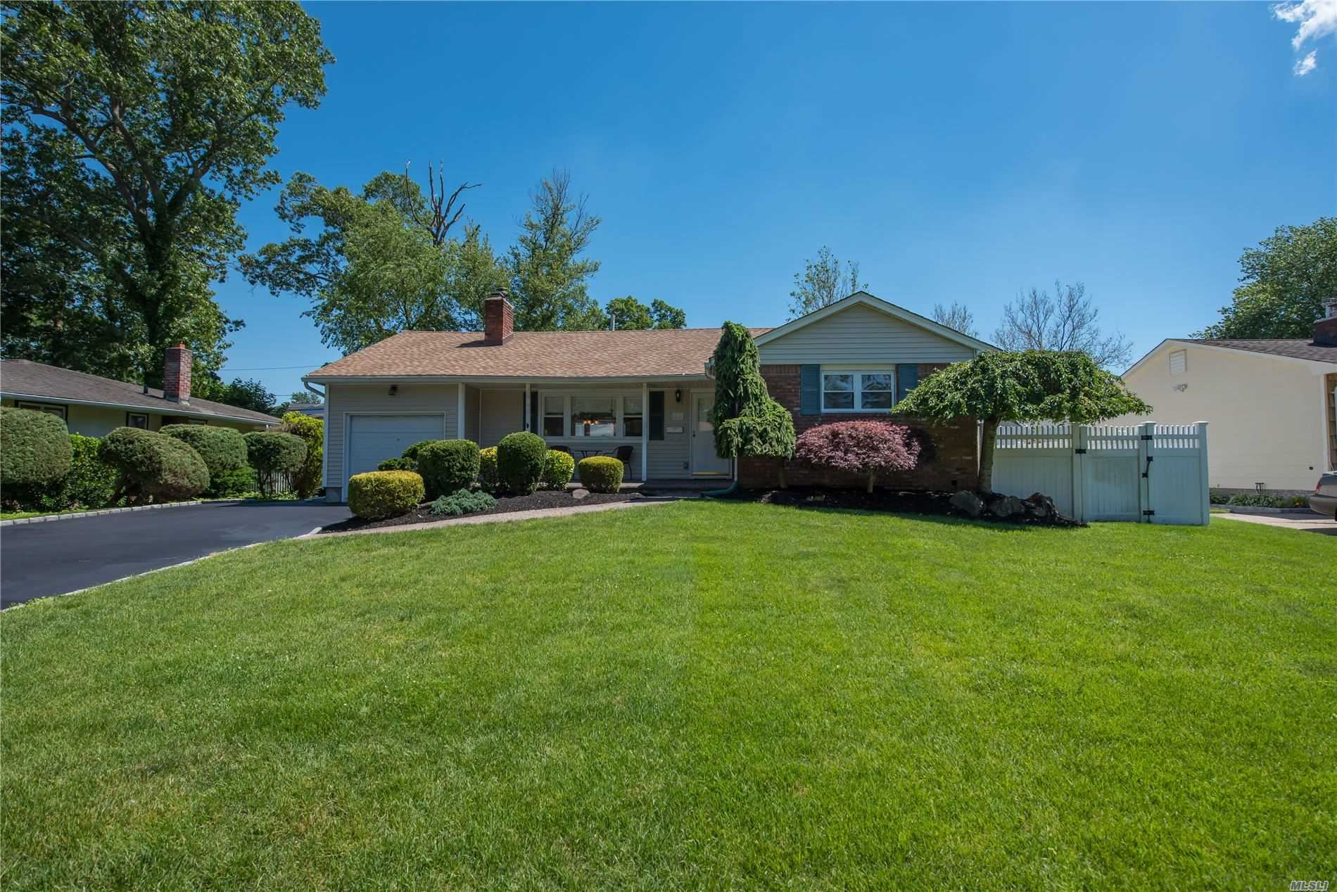 37 Tanglewood Drive, Smithtown, NY 11787 - MLS#: 3222197