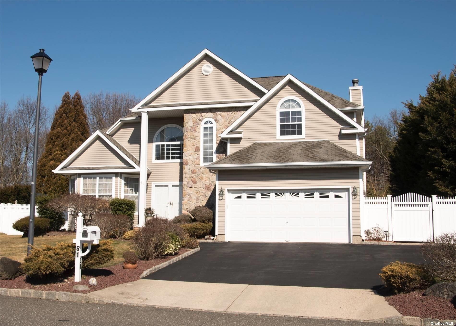 61 Summerfield Drive, Holtsville, NY 11742 - MLS#: 3296197