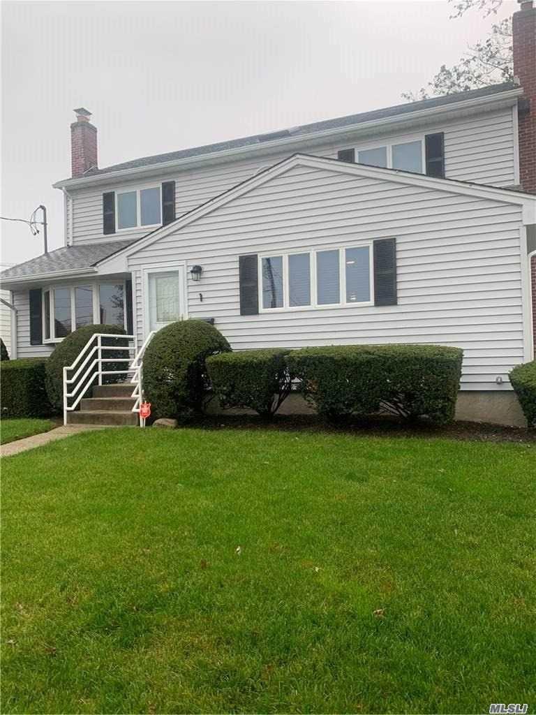 1 Earl Place, Amityville, NY 11701 - MLS#: 3265198