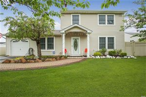Photo of 8 Osprey Dr, E. Patchogue, NY 11772 (MLS # 3141200)