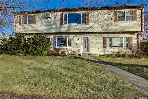 Photo of 20 Virginia Ln, Bethpage, NY 11714 (MLS # 3186201)