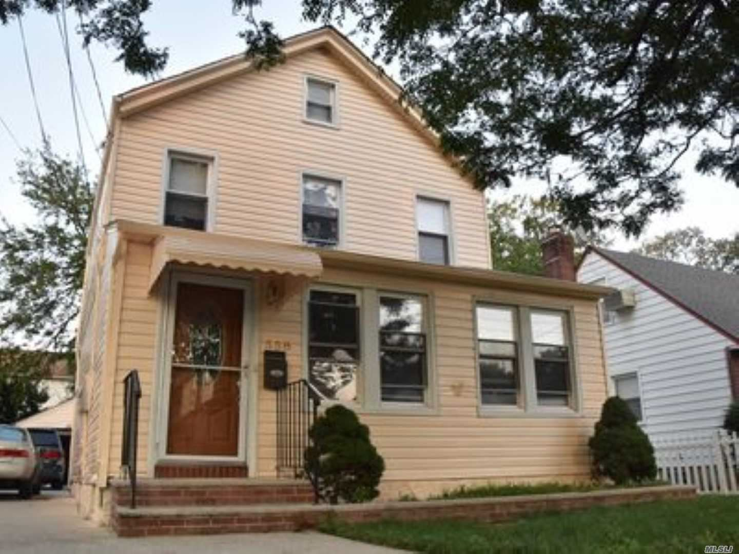 558 N 3rd Street, New Hyde Park, NY 11040 - MLS#: 3217201