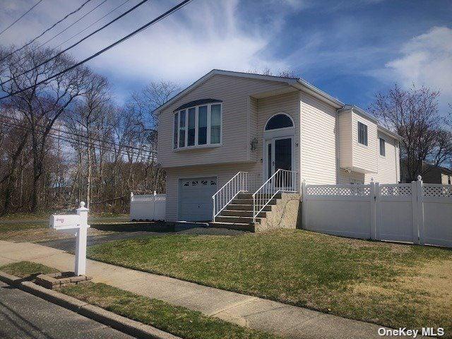 27 Brandy Avenue, Holbrook, NY 11741 - MLS#: 3301202