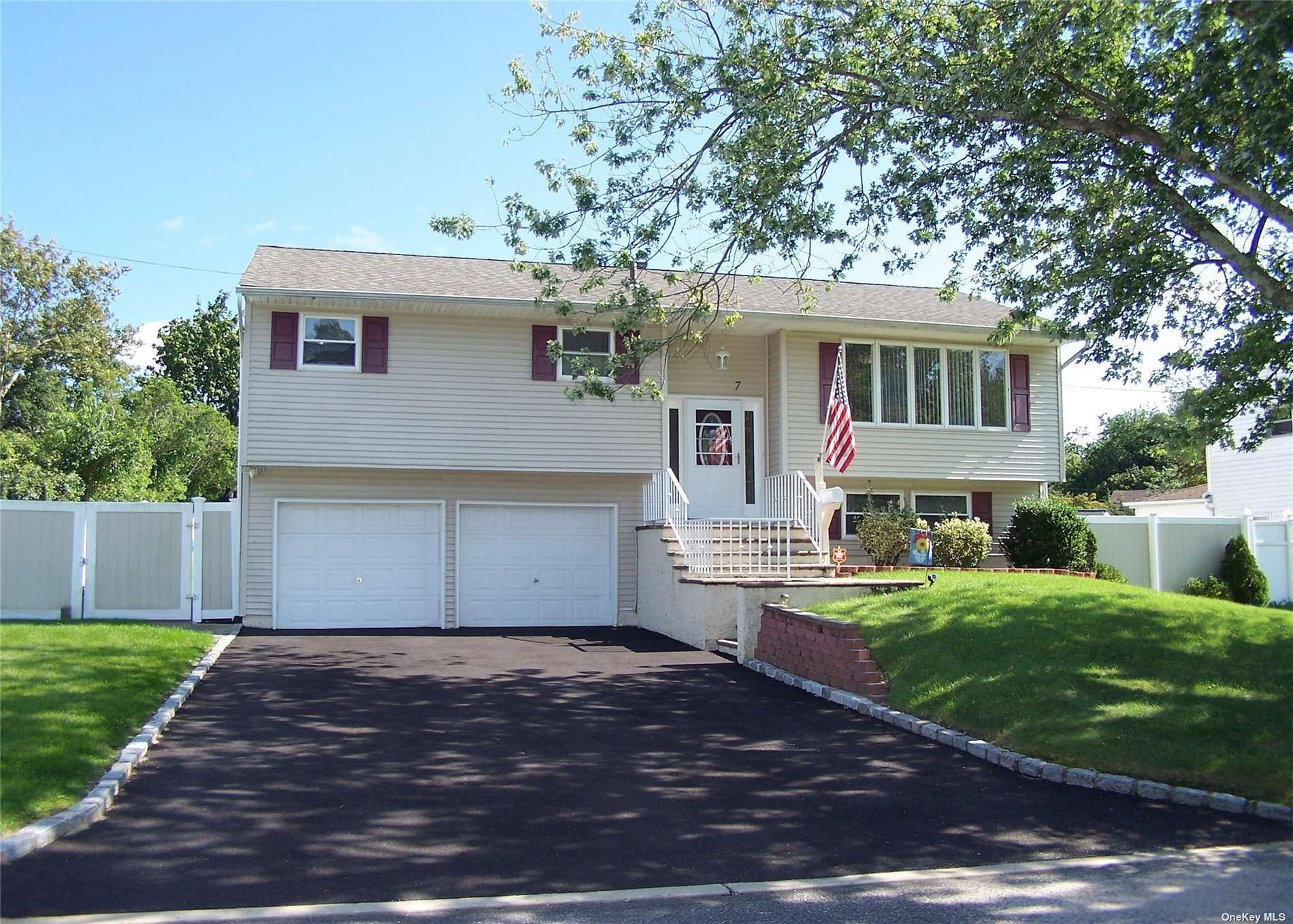 7 Roslyn Court, East Patchogue, NY 11772 - MLS#: 3345204