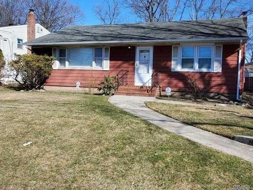 7 Overland Avenue, Amityville, NY 11701 - MLS#: 3206205