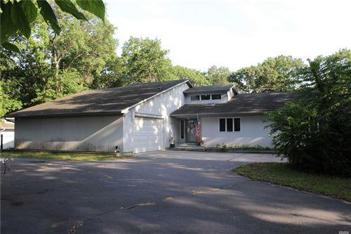 Photo of 692 Union Ave, Holtsville, NY 11742 (MLS # 3236207)