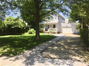 Photo of 117 Macgregor Ave, Roslyn Heights, NY 11577 (MLS # 3141208)