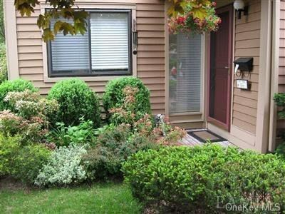 Photo of 186 Ivy Hill Crescent, Rye Brook, NY 10573 (MLS # H6089210)