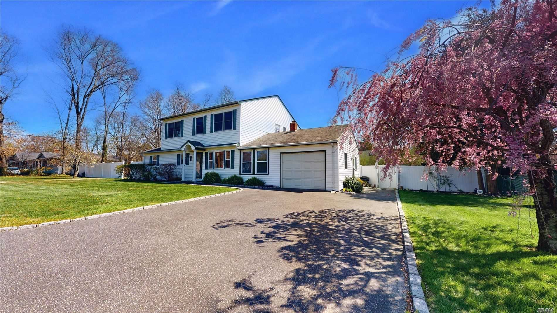 29 Artist Dr, Middle Island, NY 11953 - MLS#: 3212210