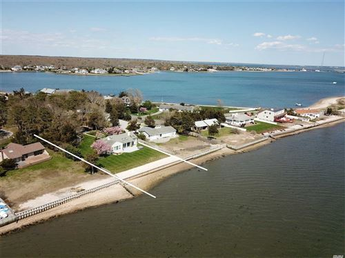 Photo of 20 Last Ln, Hampton Bays, NY 11946 (MLS # 3179212)