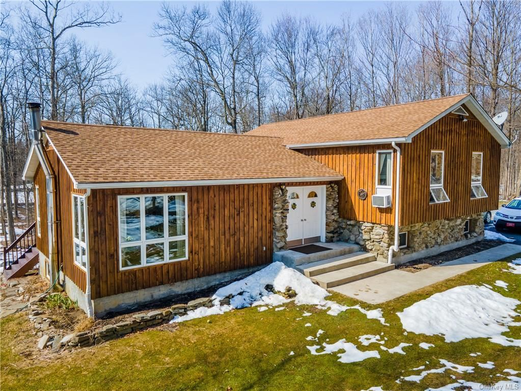 Photo of 98 Hoppenstedt Road, Wallkill, NY 12589 (MLS # H6101212)