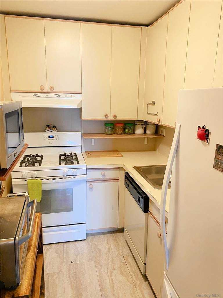Photo of 61-20 Grand Central Parkway #C500, Forest Hills, NY 11375 (MLS # 3281213)