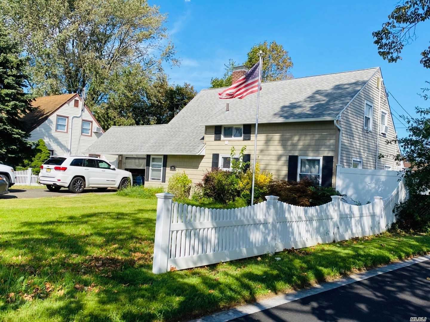 99 Stone Cutter Road, Levittown, NY 11756 - MLS#: 3247214