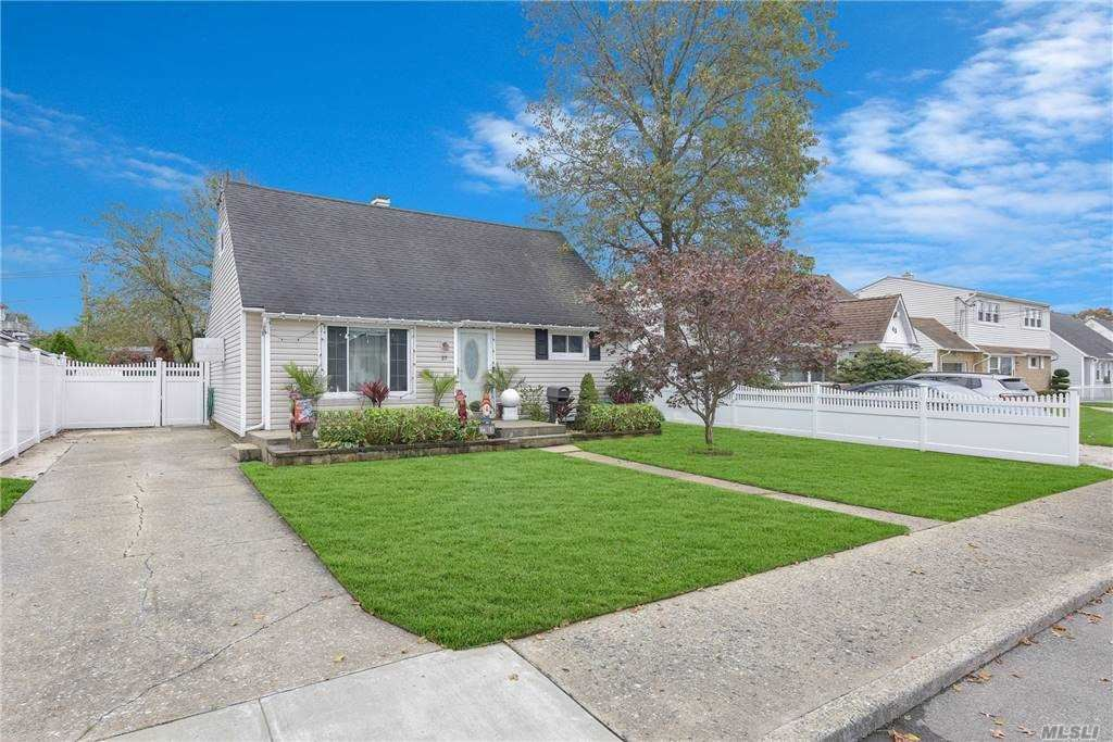37 Evans Avenue, Oceanside, NY 11572 - MLS#: 3264214