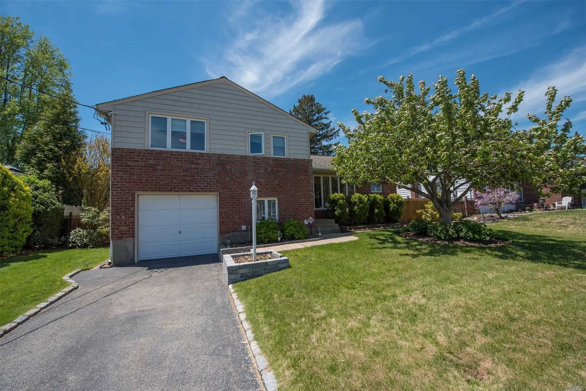 14 Saint Johns Ave, Hicksville, NY 11801 - MLS#: 3217216