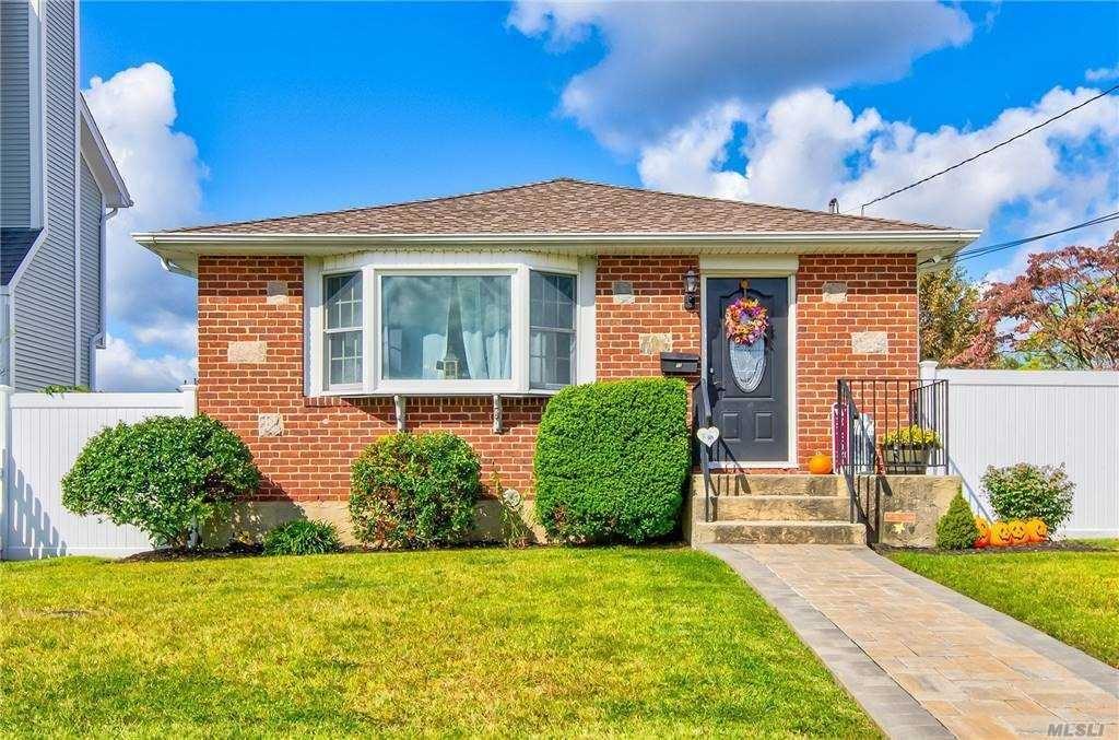 18 Herman Avenue, Hicksville, NY 11801 - MLS#: 3259216