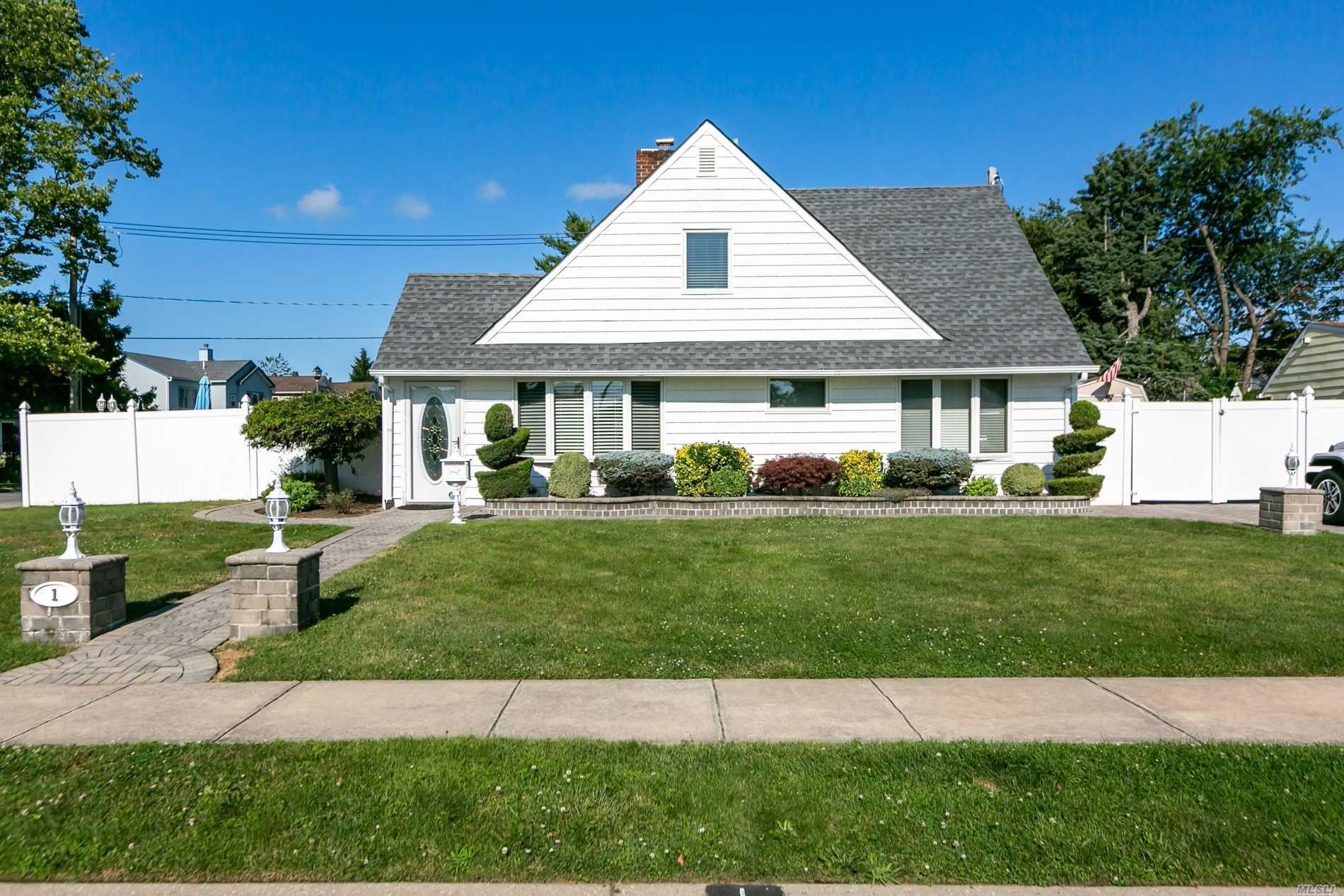 1 Forester Ln, Levittown, NY 11756 - MLS#: 3232218