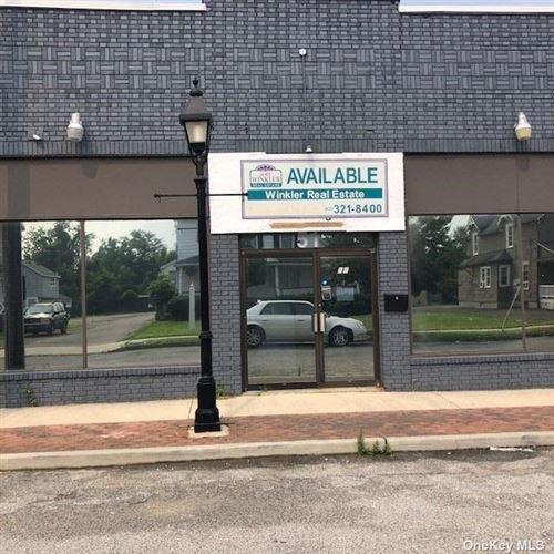 Photo of 51 Park Avenue, Bay Shore, NY 11706 (MLS # 3350219)
