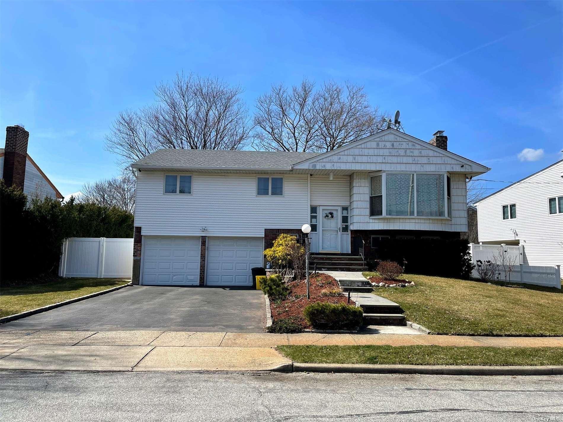 38 Deer Lane, Hicksville, NY 11801 - MLS#: 3298220