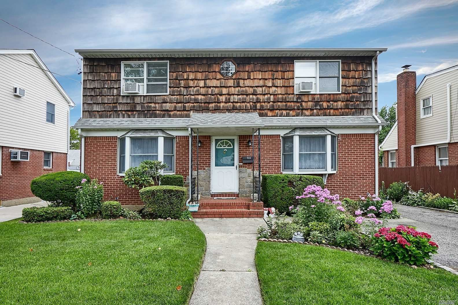 25 Cherry Ln, Carle Place, NY 11514 - MLS#: 3232221