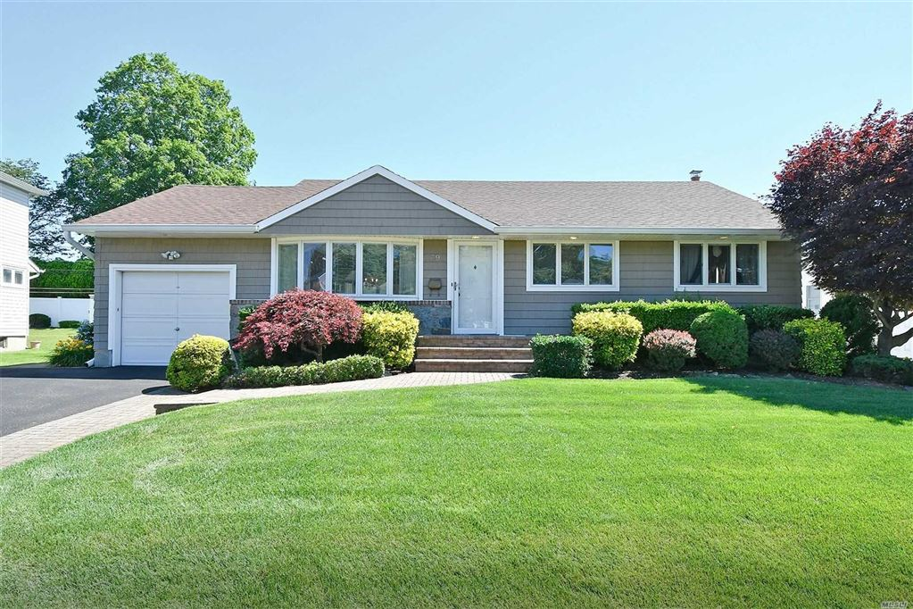 39 Clearwater Drive, Plainview, NY 11803 - MLS#: 3142223
