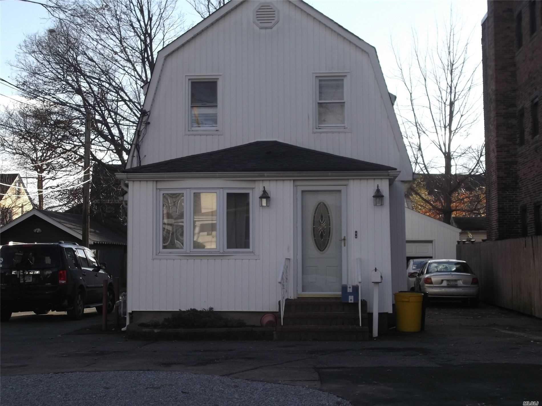 31 Trinity Place #Upper, Hewlett, NY 11557 - MLS#: 3243224