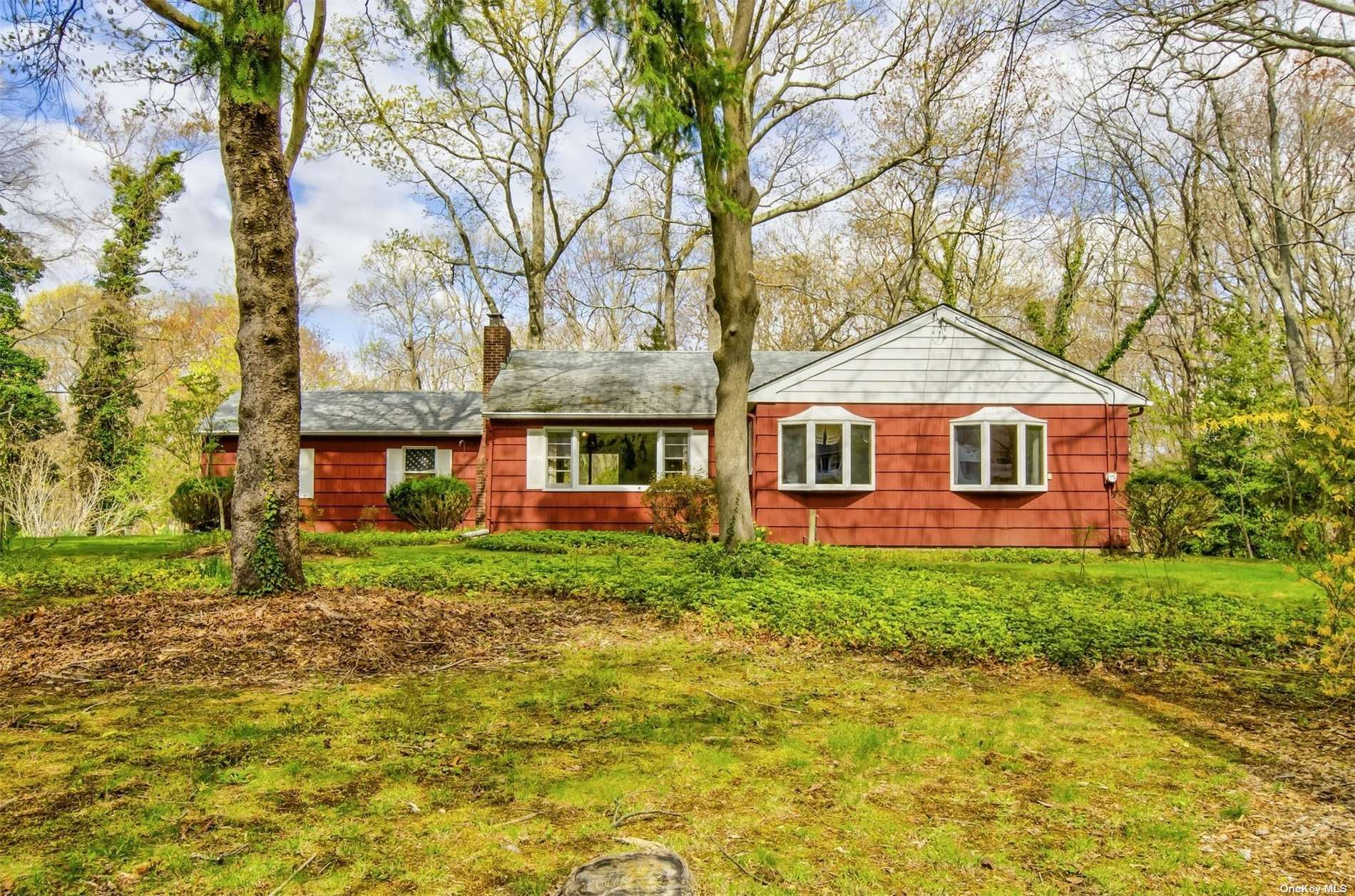Photo of 11 Green Acre Lane, Northport, NY 11768 (MLS # 3306225)
