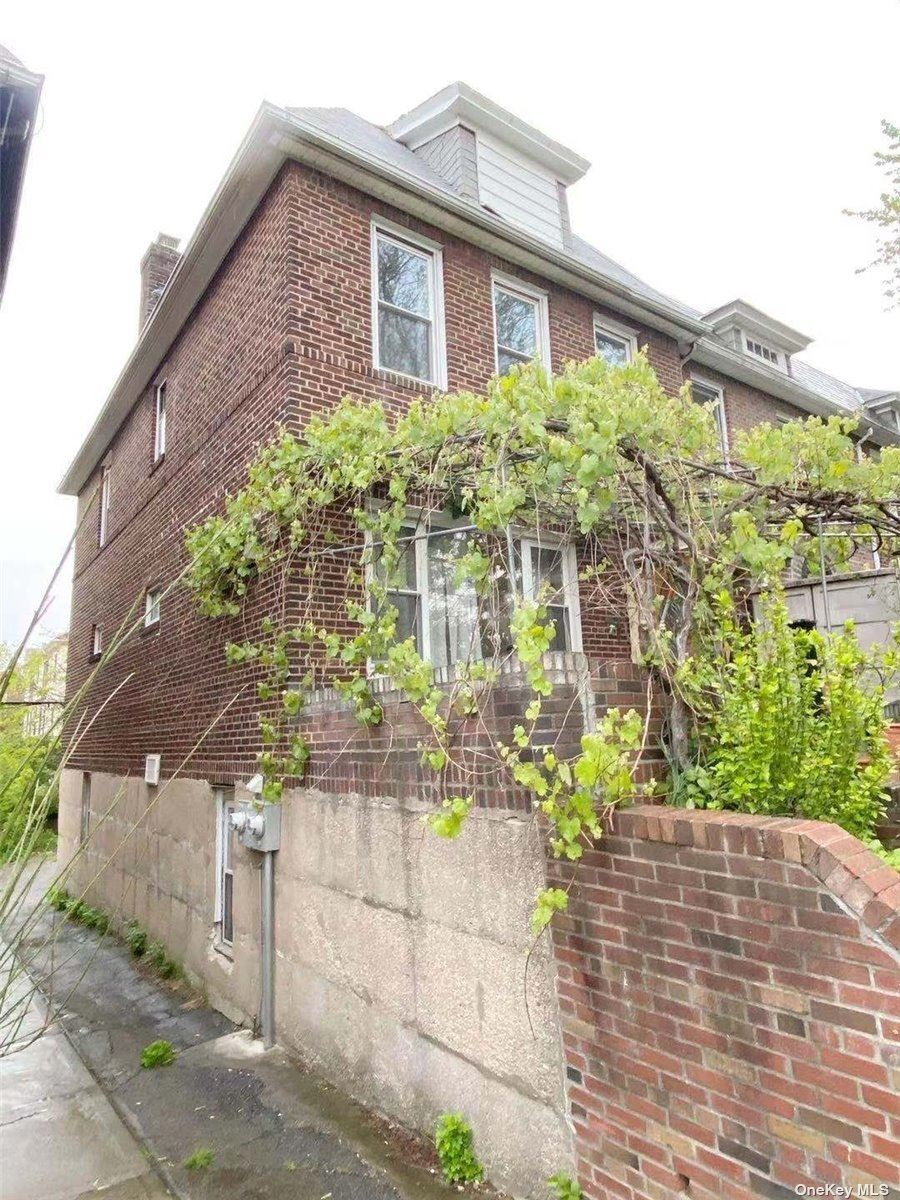 6825 Groton Street, Forest Hills, NY 11375 - MLS#: 3311225