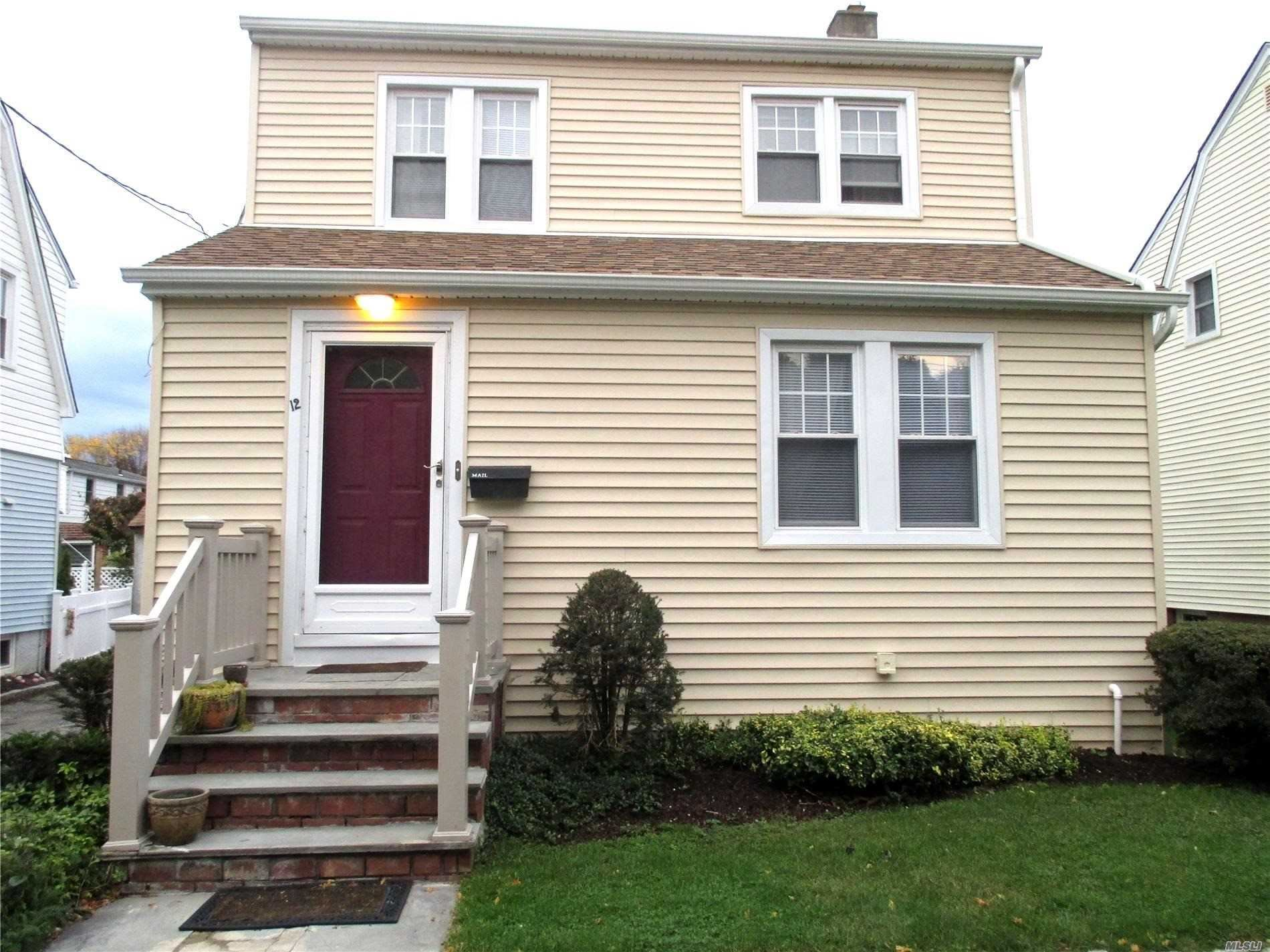 12 16 20 La Placa Court, Manhasset, NY 11030 - MLS#: 3216228