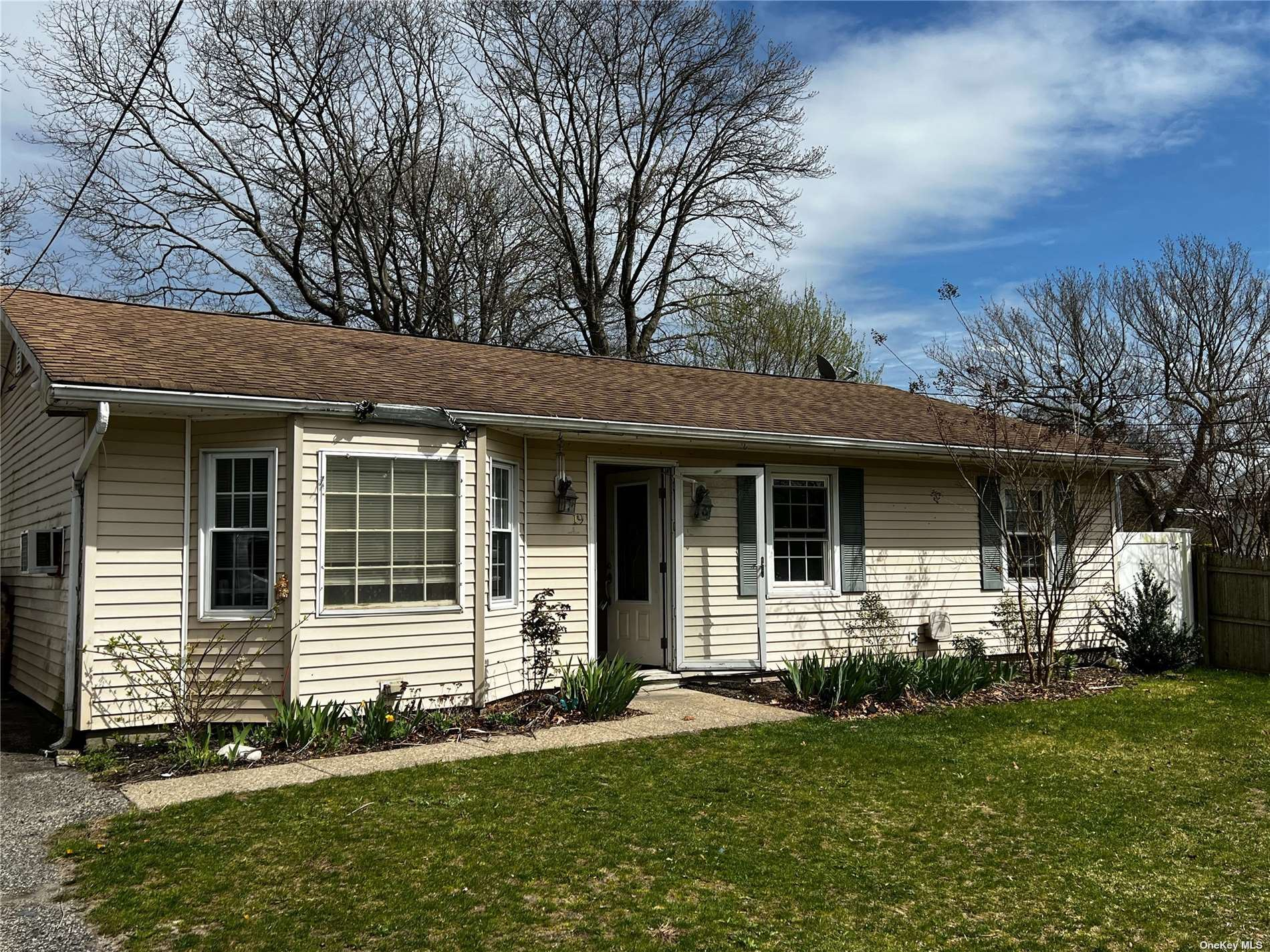 19 Lake Drive, East Patchogue, NY 11772 - MLS#: 3337229
