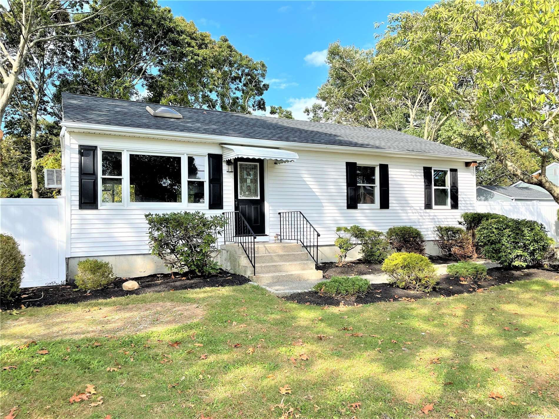7 W Arpage Drive, Shirley, NY 11967 - #: 3351229