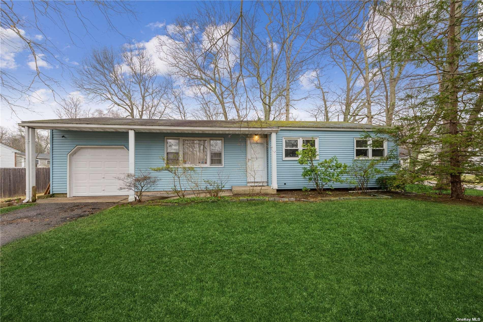 41 Penn Street, Lake Grove, NY 11755 - MLS#: 3295230