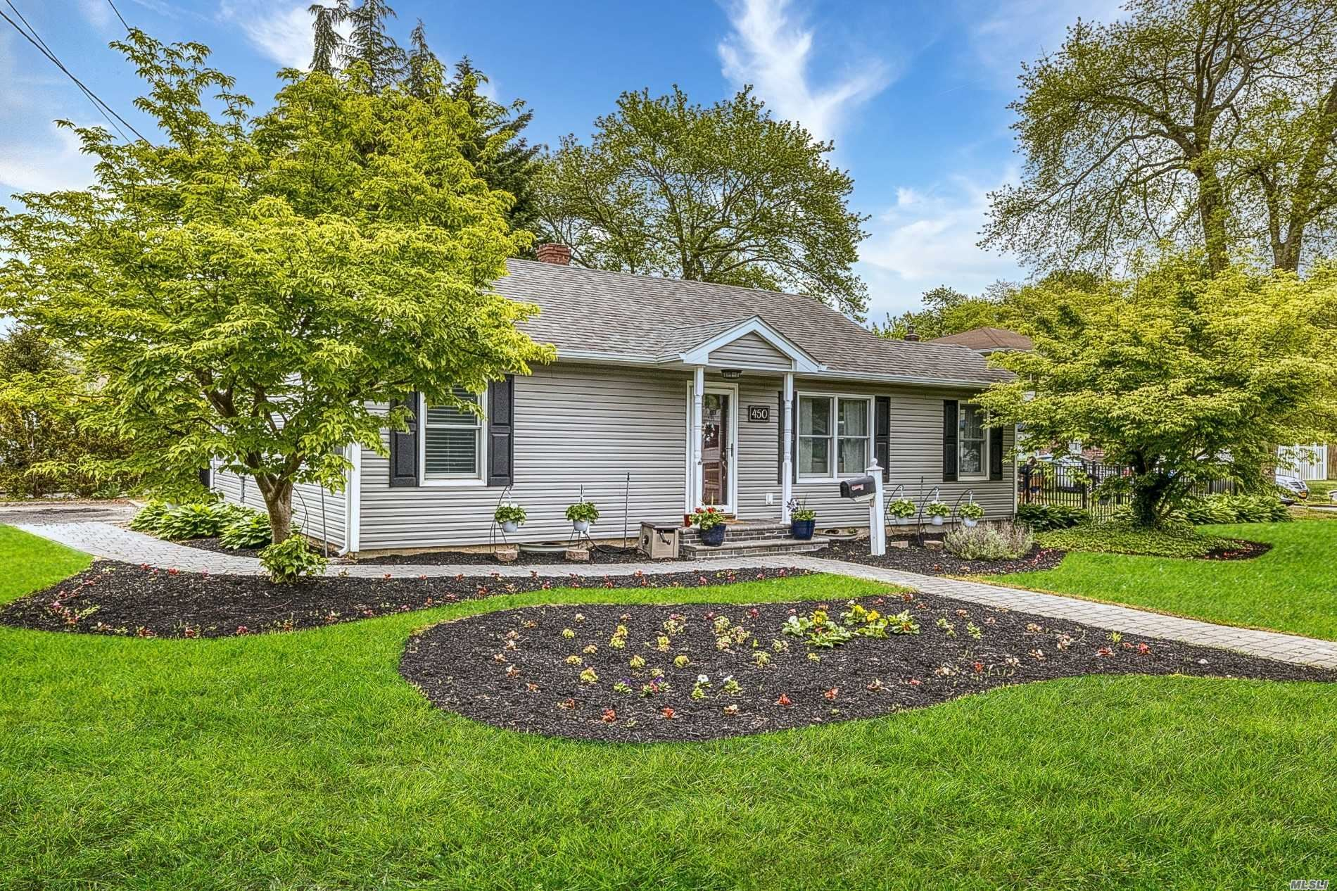 450 Pine Drive, Brightwaters, NY 11718 - MLS#: 3218232