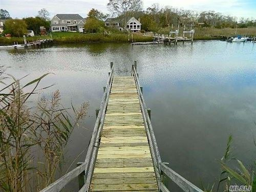 Photo of 35 West End Avenue, E. Quogue, NY 11942 (MLS # 3265236)