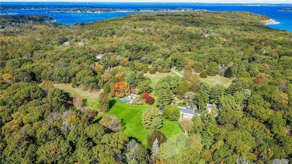 Photo of 200 Sunset Road, Oyster Bay Cove, NY 11771 (MLS # 3179238)