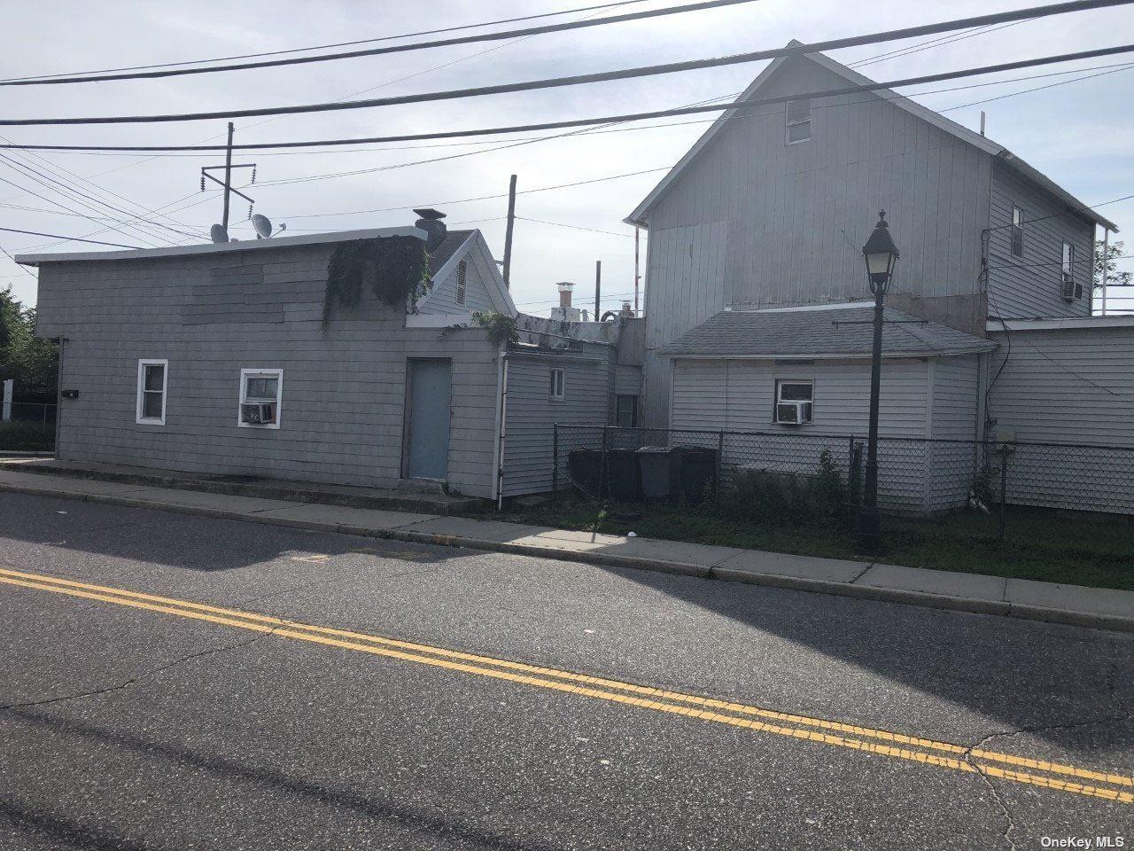 50-52 Brook Street, Bay Shore, NY 11706 - MLS#: 3342239