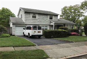 Photo of 2 Whippet Ln, East Norwich, NY 11732 (MLS # 3147240)