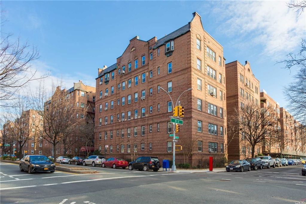 85-10 34 Avenue #310, Jackson Heights, NY 11372 - MLS#: 3065240