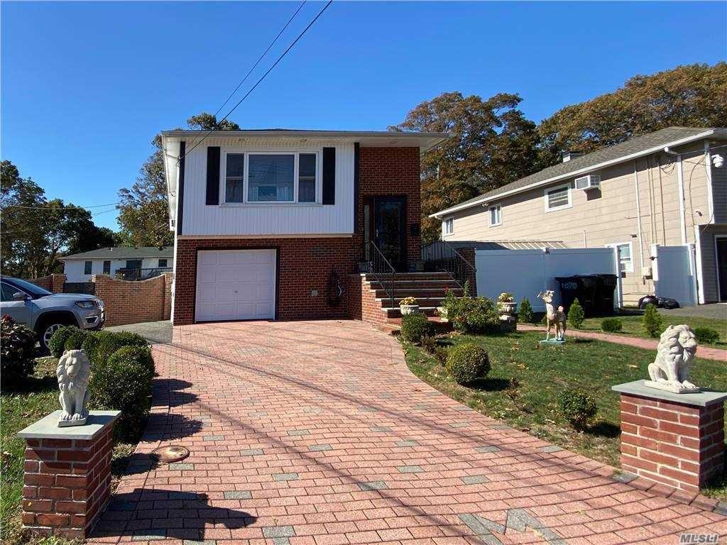 1074 Hyman Avenue, Bay Shore, NY 11706 - MLS#: 3261240