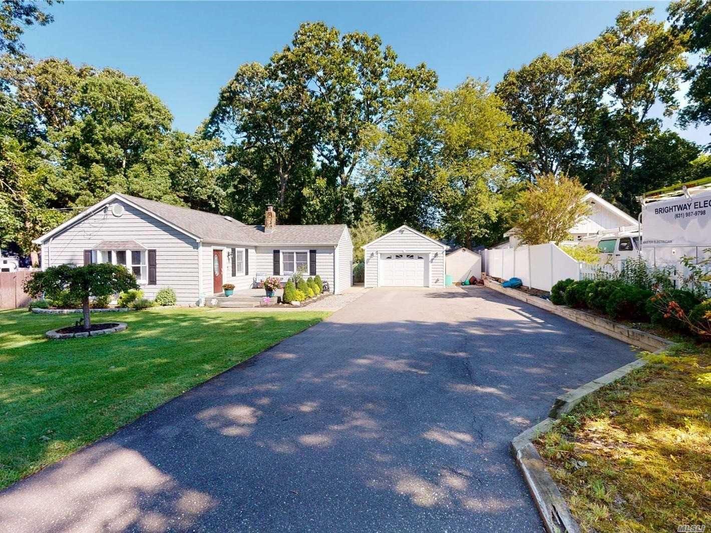 115 Maple Street S, Lake Grove, NY 11755 - MLS#: 3242245