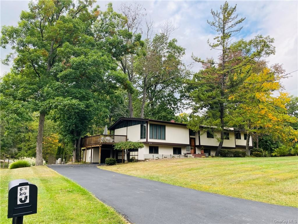 Photo of 5 Timber Trail, Suffern, NY 10901 (MLS # H6100245)