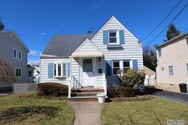 31 Heywood Street, New Hyde Park, NY 11040 - MLS#: 3197248